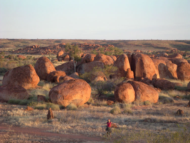 Outback_Devils_Marbles